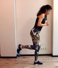 cardio-workout-jump-kick-back1